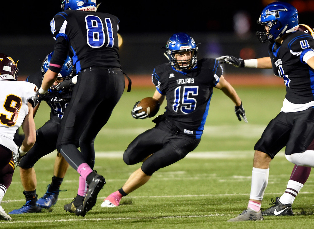 . LONGMONT, CO - OCTOBER 11, 2018: Longmont High School\'s Drake Engelking runs the ball during a CHSAA football game against Windsor on Thursday in Longmont. More photos: BoCoPreps.com (Photo by Jeremy Papasso/Staff Photographer)