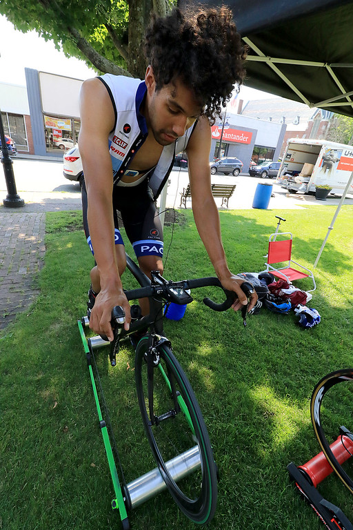 . Rider in the mens cat 3/4 race Mark Hewitt from Boston warms up before the race. SENTINEL & ENTERPRISE/JOHN LOVE