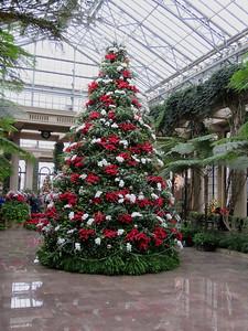 Exhibition Hall Christmas tree