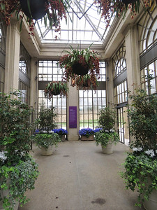 the vestibule at the entrance to the East Conservatory