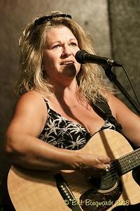 Shelly Dubois - Rob Anderson Memorial - Drake 07-18 447