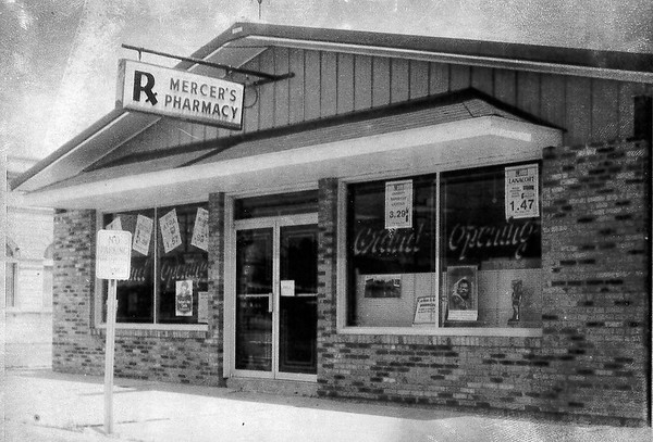 Mercer's Pharmacy in Neoga in 1981