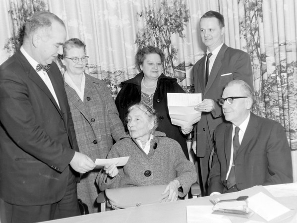 Group gets deed 1964