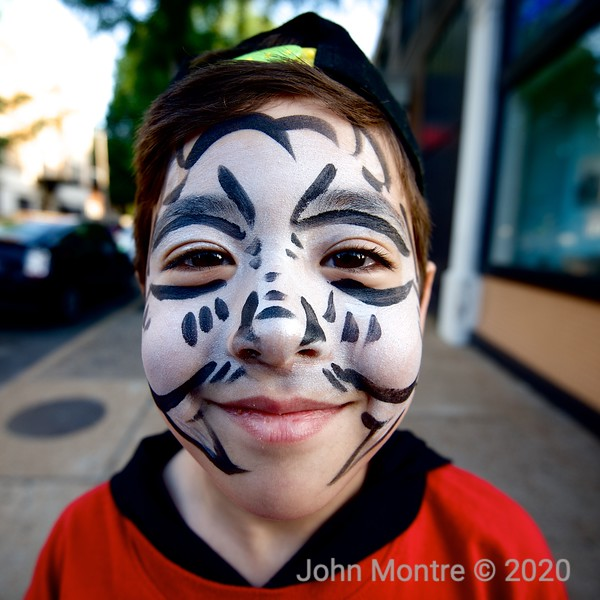 Loop style face paint