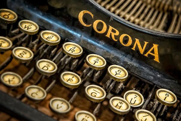 Corona - Vintage Typewriter - $2
