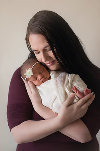 Loralye Newborn-17