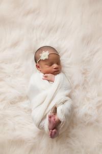 Loralye Newborn-10