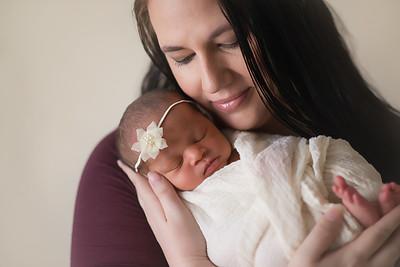 Loralye Newborn-20