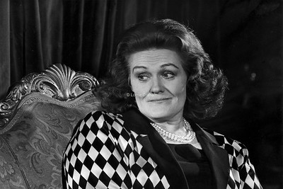 ARTS : Dame Joan Sutherland, Opera Singer