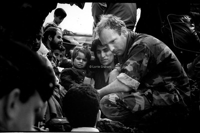 Kurdish families on their way home after the war in Northern Iraq, 1991