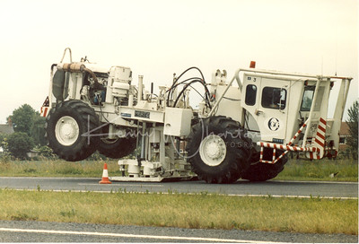 Q458 FLD seismic survey vehicle
