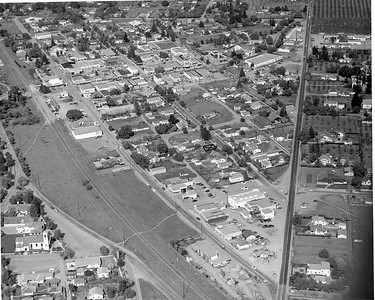 In 1954, the railroad ran along the route of the present-day Foothill Expressway. Lincoln Ave and St Nicholas Church can be seen in the lower left corner.