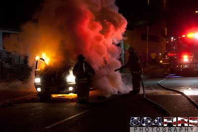 111216 LAFD Auto Fire MLK at Broadway-121