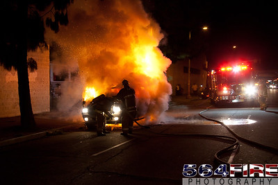 111216 LAFD Auto Fire MLK at Broadway-115