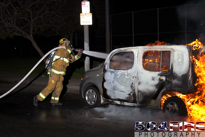120331 LAFD Auto Fire 88th & St Andrews-110