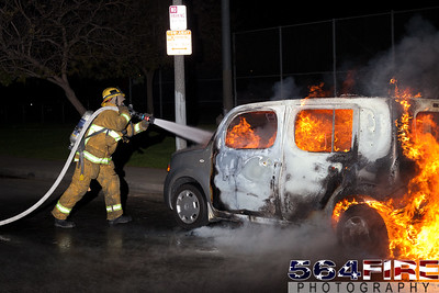 120331 LAFD Auto Fire 88th & St Andrews-109