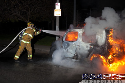 120331 LAFD Auto Fire 88th & St Andrews-108