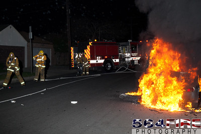 120331 LAFD Auto Fire 88th & St Andrews-103