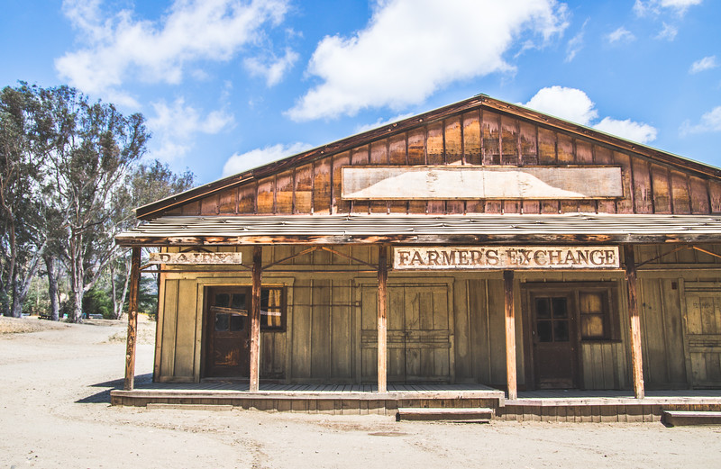 Hiking Paramount Ranch | Los Angeles Things to Do | Southern California Hikes | Dog-Friendly Hikes | Hikes in Los Angeles | LA Attractions | Los Angeles travel | Visit California