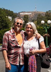 hollywood-sign-couple-1