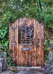 hollywood-hills-door-1