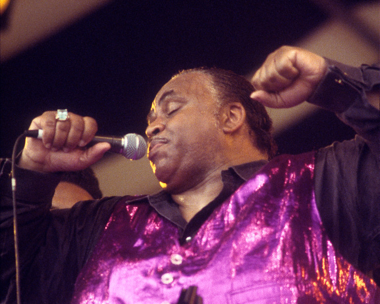 NEW ORLEANS, LA-APRIL 29: Solomon Burke perorms at the New Orleans Jazz & Heritage Festival on April 29, 1994. (Photo by Clayton Call/Redferns)