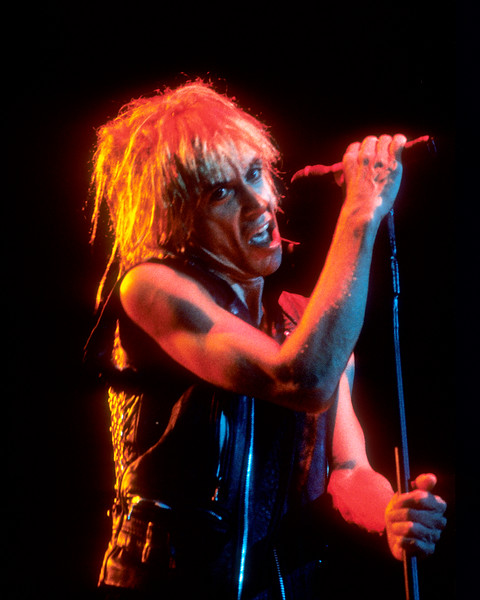 OAKLAND, CA-FEBRUARY 28: Iggy Pop performs at the Oakland Coliseum Arena in Oakland, CA on February 28, 1987. (Photo by Clayton Call/Redferns)