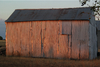 Pink shed, Morongla Road, Sundown. December 2002