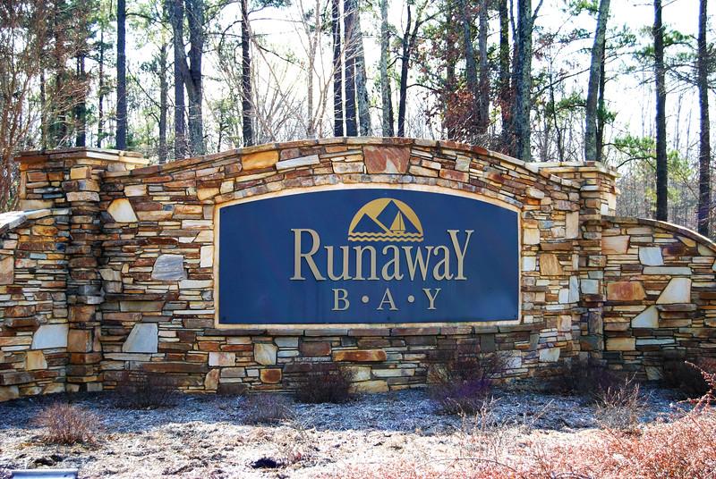Runaway Bay Lake Front Community