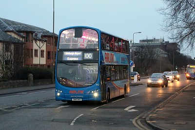 942 on Queensferry Road is about to turn left to Queensferry Terrace on the rugby diversions, which are great as we can get a bus straight home!