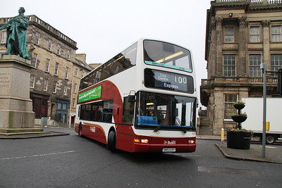 630 back to old haunts on the 100 early on the morning of 20th March 2014.   I toyed with the idea of going down to Princes Street for all of a second.   Can't see that going back!!   Eventually LB requested a copy of the pic as they were disbelieving of it actually happening....