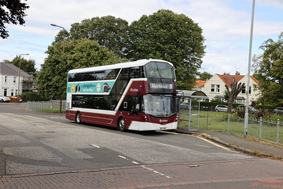 484 on Boswall Parkway looking smart on the 8 11th July 2020