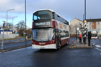 586 at Wester Hailes 'Interchange' 30th January 2021. Many thanks to the driver for posing the bus!