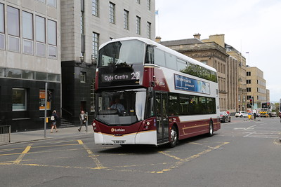 444 at St Andrew Square diverted from Leith Street