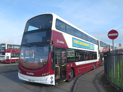 402 looks out of place at Marine, being a Longstone bus.  It is Sunday morning, though!