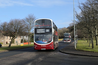337 arrives at Clermiston terminus with a 21