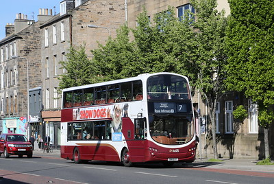 353 retains her blinds - but probably not for much longer.  Leith Walk