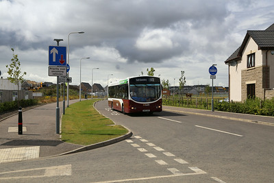122 creeps round the apparently controversial bus gate in Kirkliston.   Car drivers claim it's not well signed.
