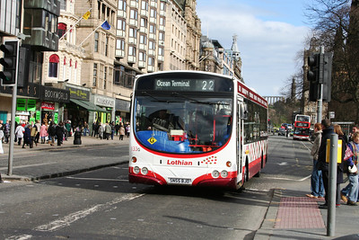 133 westbound on Princes Street should be screened Gyle Centre, Ocean Terminal being the other way
