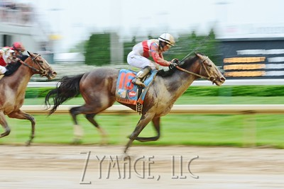 Orb took the lead to win the 139th Kentucky Derby at Churchill Downs. May 4th, 2013.