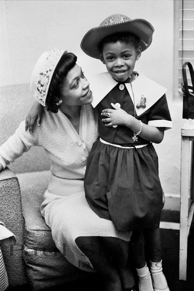 Louis Armstrong with girl 02