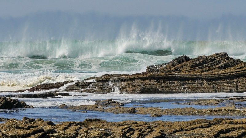 Vagues et rochers  /  Waves and Rocks  IMG_0927
