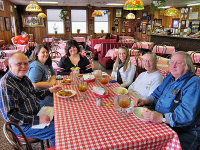 Eating at Notino's Italian Restaurant with family in Bossier City -- one of my favorite places to eat in Louisiana.  At the table are me(Reagan), niece Sandra, great nieces Jessica and Kelllie, sister Shirley, and brother-in-law Bobby.