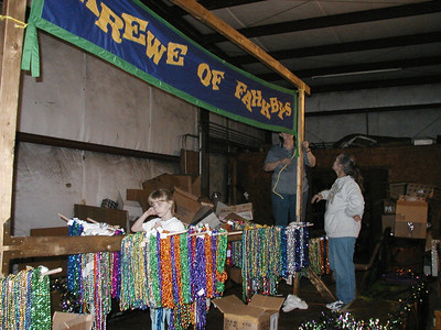 14  Float Building Mardi Gras 2003