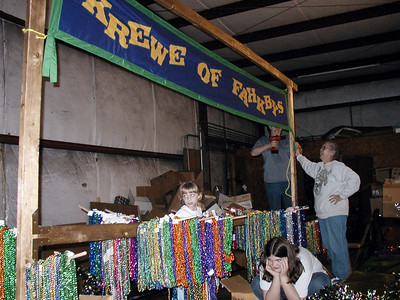 13  Float Building Mardi Gras 2003