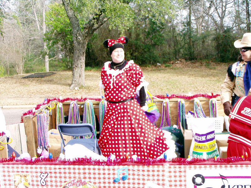 15  Minnie Mouse