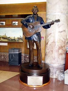 08  Hank Snow - Country Music Singer