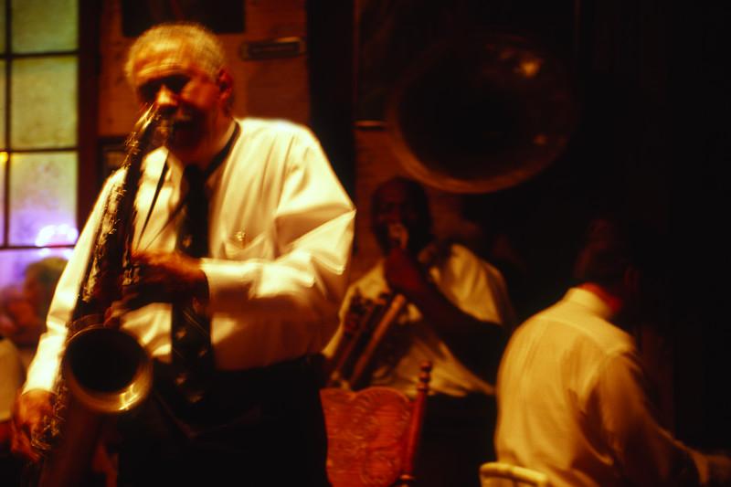 jazzy music...