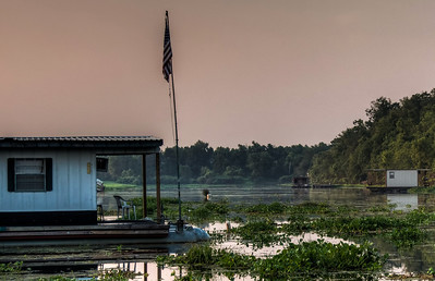 swamp-house-boat-7