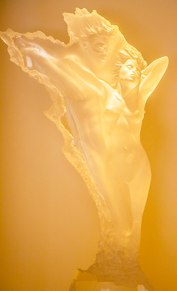 The Grand Foyer — An art display alcove perfectly displays an acrylic woman's figure by pre-eminent figurative sculptor, Michael Wilkenson — bringing an enchanting touch to the entrance hall.